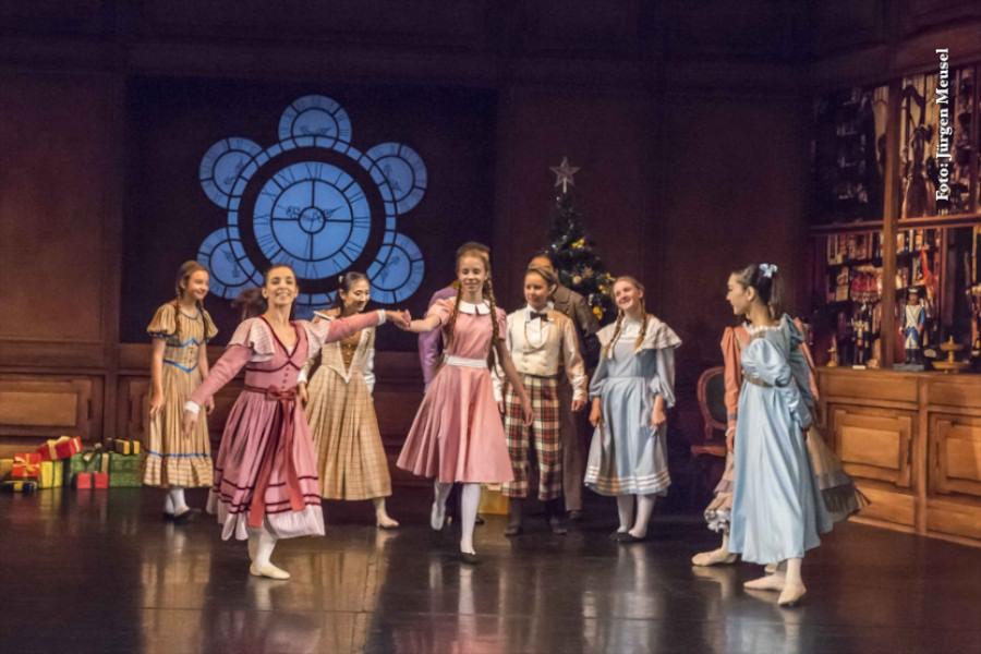 Inszenierung u. Choreographie: Can Arslan, Ausstattung: An-drea Kaempf, Nordharzer Städtebundtheater
